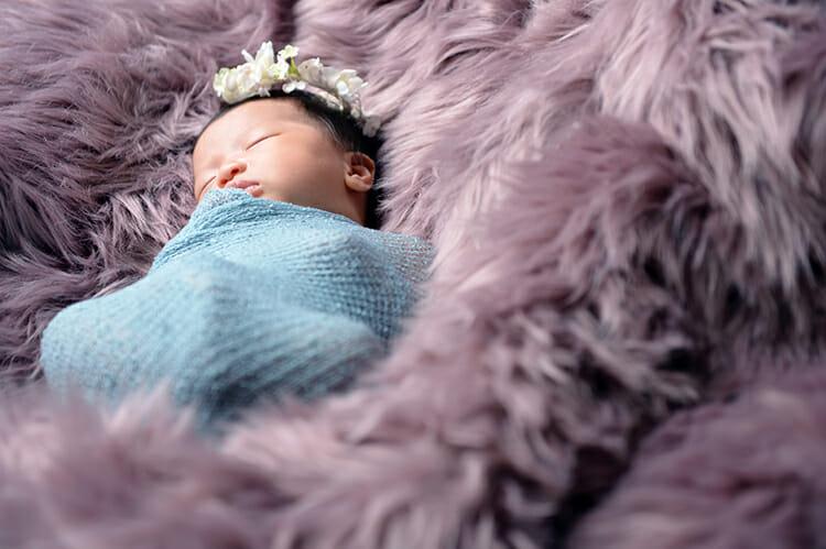 新生児ならではの可愛らしさをニューボーンフォトで撮ろう