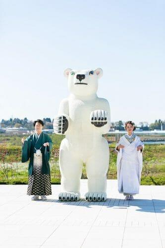 富山市にある富山県立美術館でウェディングフォト 高岡から出張ウエディングフォト こだわりのブルーの色掛下