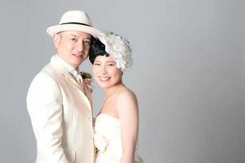 オシャレな結婚式の前撮り ウエディングフォト 韓国風スタジオ ブライダルハウスひまわり
