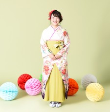 かわいい卒業式袴のレンタル 写真もとびっきり楽しくリーズナブル