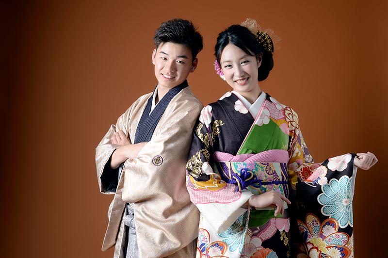 富山で成人式の振袖が安いお得ステキの三拍子が揃ったレンタル衣裳店は高岡市のブライダルハウスひまわり 写真もオシャレに撮れる